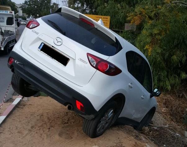 חילוץ רכב מאזדה לאחר תאונה